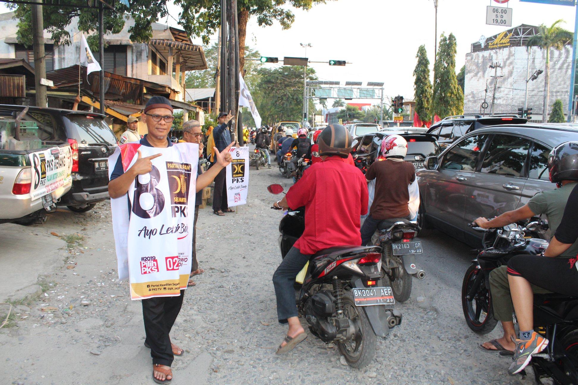 MIL ikut Flashmob bareng PKS Medan Kota